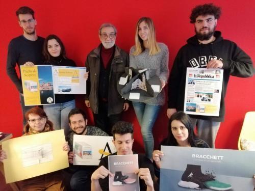 Foto di gruppo con il docente Geppi De Liso