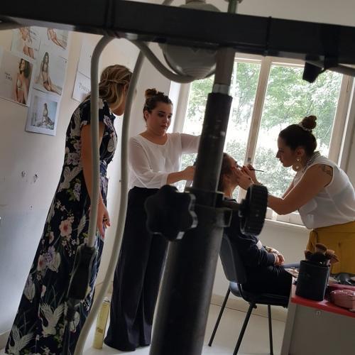 """Backstage dello shooting fotografico per la modella della linea di biancheria intima da sposa """"Timeless"""" ideata dalla nostra allieva Paola Rollo."""